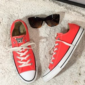 Converse coral low top sneakers